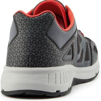 Lavaggio e pulizia sneaker